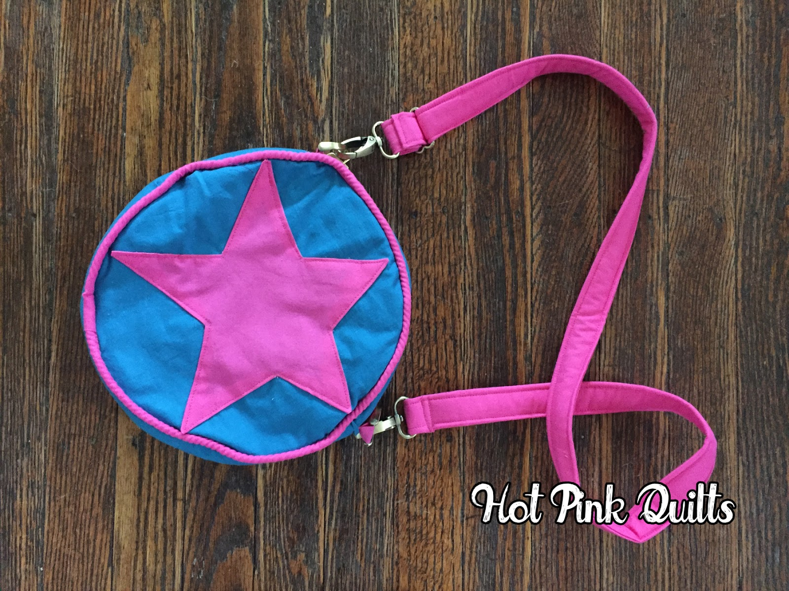 Hot Pink Quilts Ramona Flowers Bag