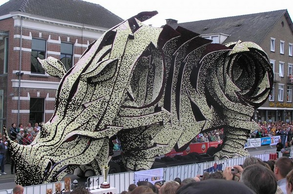 Gigantic Flower Sculpture-18