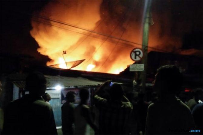 Kebakaran di Tambora, Ratusan Warga di 3 RT Mengungsi