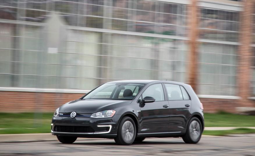 Volkswagen e-Golf 2016 sẽ là phát súng đầu tiên của Volkswagen trong mảng xe điện tại Mỹ