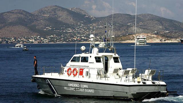 Εισροή υδάτων σε σκάφος στην Αίγινα - Πρόσκρουση άλλου σκάφους στα βράχια