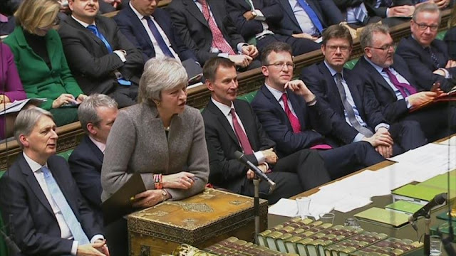 Gobierno de Theresa May intenta evitar un Brexit sin acuerdo