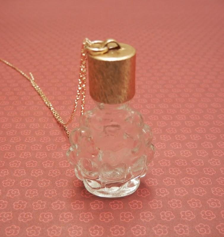 Explore Embalagem De Perfume, Tons Azuis e muito mais!
