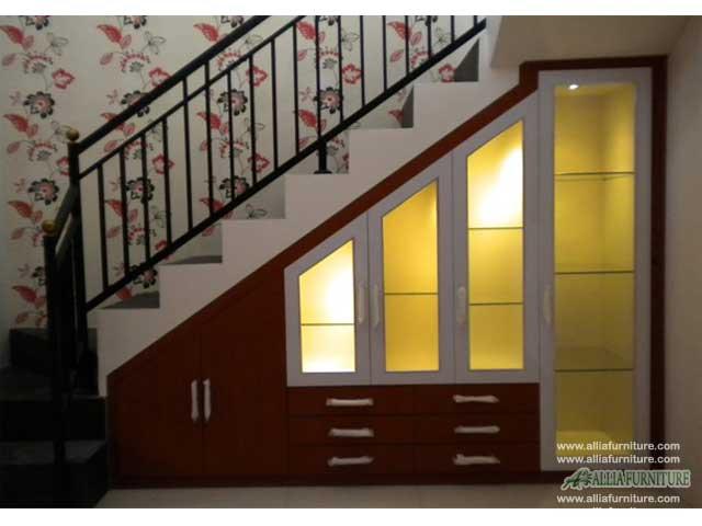 lemari bawah tangga minimalis model hugo