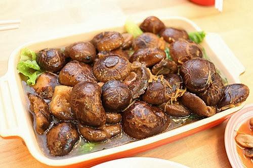 小Con私房菜: 蠔油炆冬菇配生菜底 - 附食譜