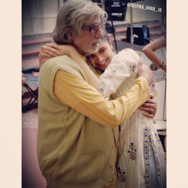 amitabh bachchan and deepi💟 sets of piku ,💕