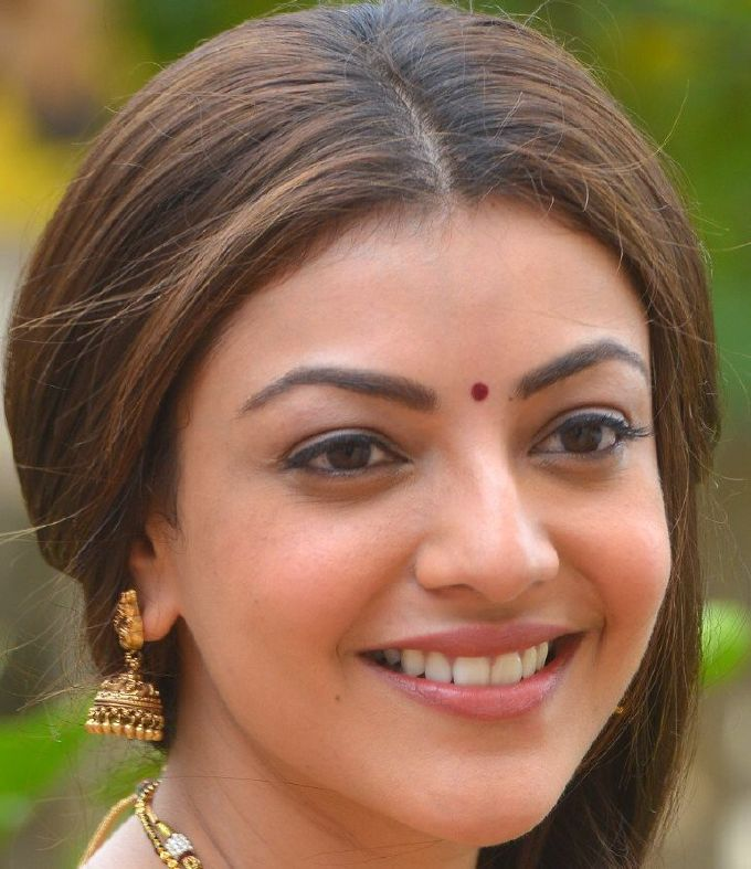 Gorgeous Tamil Girl Kajal Aggarwal Without Make Real Face Closeup