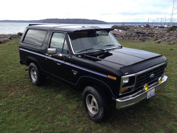 Black Bronco 4X4