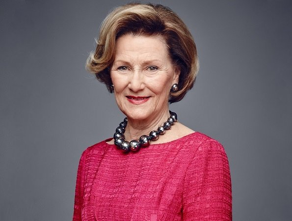 Queen Sonja of Norway celebrates her 80th birthday! Today, some events are organized on the occasion of 80th birthday of Queen Sonja.