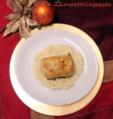 Fagottini di pasta sfoglia con salmone e radicchio rosso - Ricetta secondo piatto di Natale