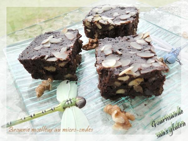 Brownie moelleux noix, amandes, raisins au micro-ondes