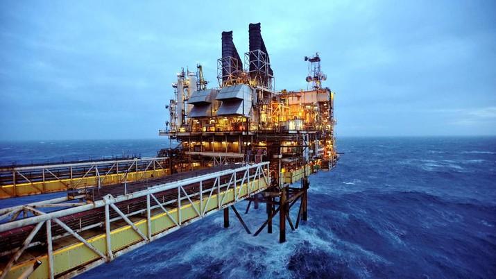 OPEC Pangkas Produksi, Harga Minyak Melesat