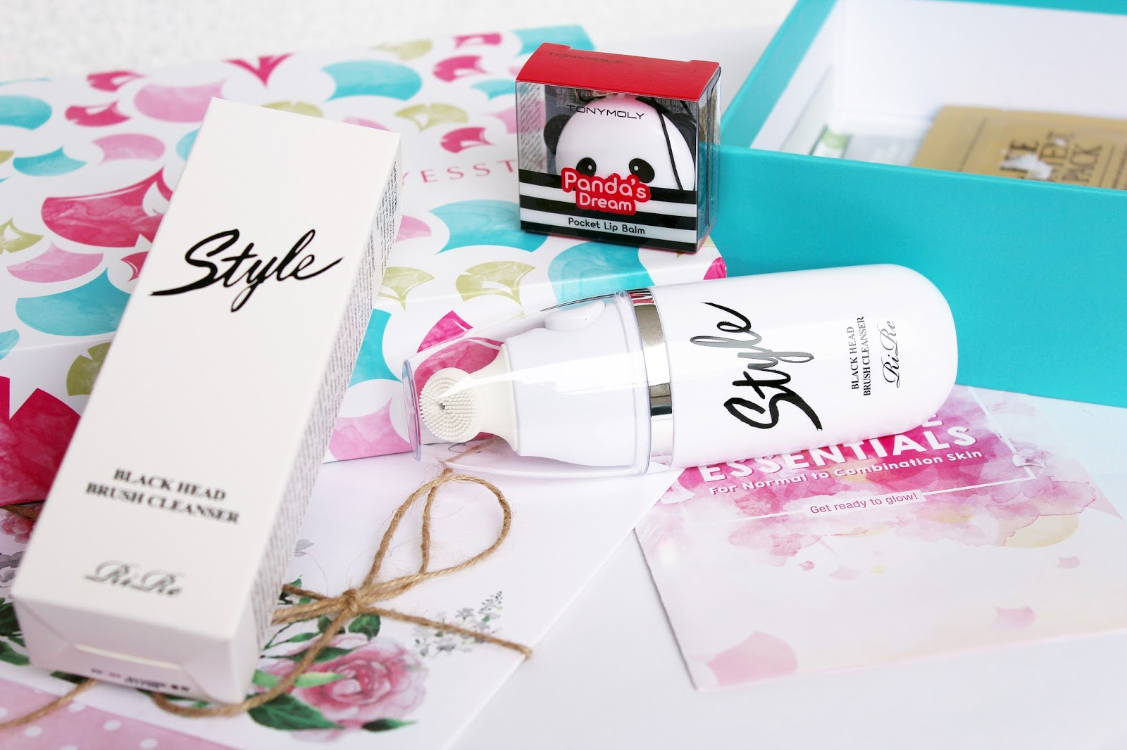 AGATHA, Benton, Cosrx, Etude House, Korea, Korean Box, Natural Cosmetics, REPIEL, Rire, Tony Moly, Night/Day Cream, Mask, Sheet Mask, Toner, Emulsion, Cleansing, Lipstick, Hair conditioner, Yesstyle, Yesstyle box, Yesstyle beauty box, korean beauty box, yesstyle bloggers, ysbeautybox17