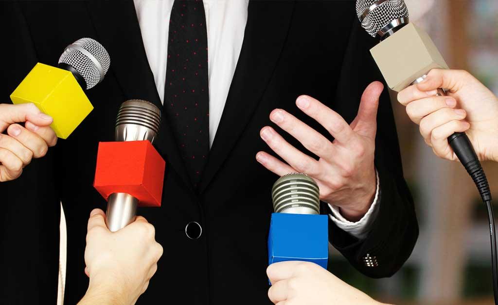 pengertian definisi arti media relations public hubungan masyarakat humas marcomm marketing corporate communication officer tugas tanggung jawab menurut ahli bahan skripsi makalah tesis kuliah jurusan manfaat kegunaan peran fungsi pentingnya