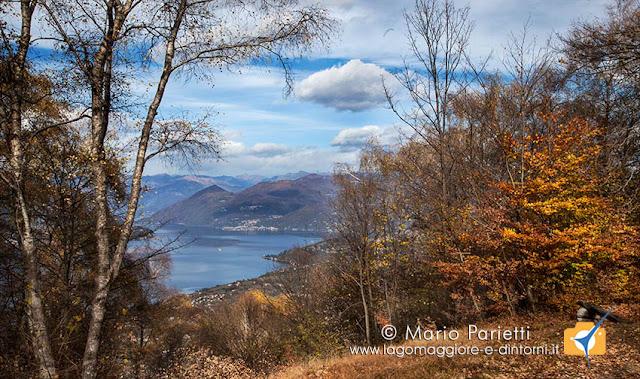 Panorama del lago Maggiore salendo al rifugio Adamoli