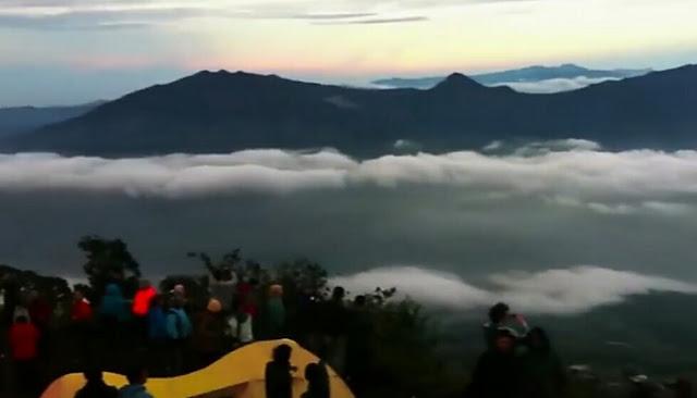 wisata mendaki gunung cikuray garut