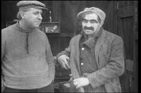 Кадр из фильма Чарли Чаплина A Thief Catcher (1914) - 5
