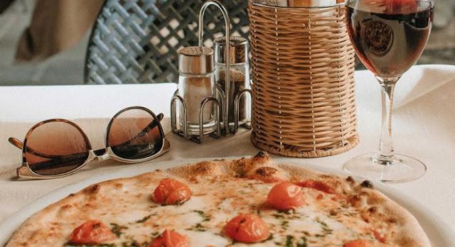 Formas de maridar vino y pizza