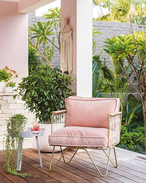 https://www.lush-fab-glam.com/2018/04/pretty-in-pink-spring-home-decor.html