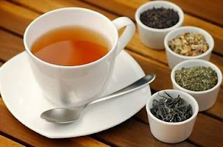 Dùng trà thảo dược chữa nổi mề đay