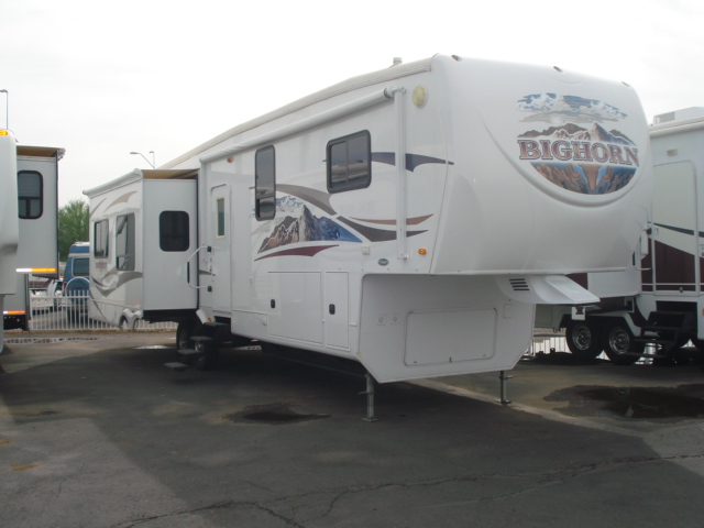 used rvs for sale arizona rv consignment specialist sun city 2010 bighorn 5th wheel for sale. Black Bedroom Furniture Sets. Home Design Ideas