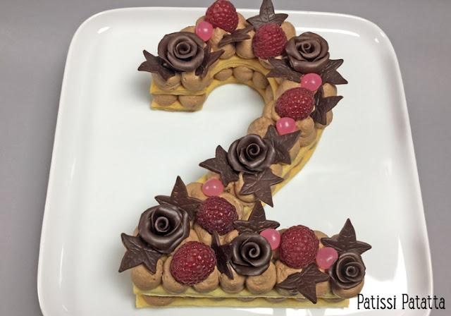 number cake au chocolat, number cake flowers, cake design, ganache montée, roses en chocolat plastique, tutoriel number cake, vidéo number cake, comment faire un number cake, gâteau anniversaire,