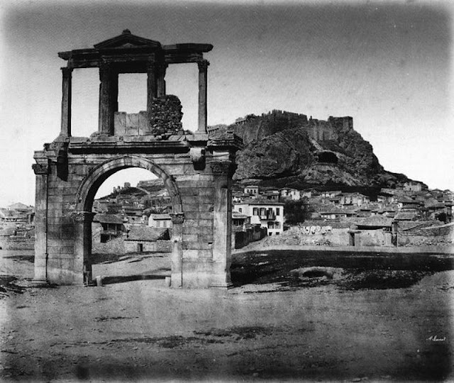 παλιά Αθήνα-παλιές φωτογραφίες της Αθήνας-Αθήνα–Ακρόπολη-Πύλη του Αδριανού-λόγια απλά