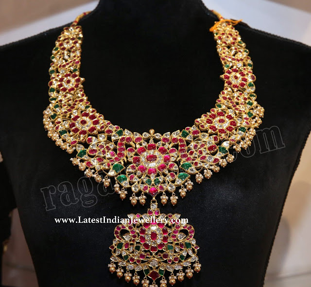 Broad Kundan Necklace in Gold