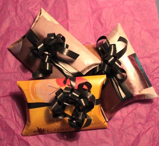 made in liochka emballage cadeau tout en r cup a continu recyclage rouleau papier wc. Black Bedroom Furniture Sets. Home Design Ideas