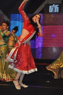Bollywood Actress Model Sunny Leone Dance Performance in Red Half Saree at Rogue Audio Launch 13 March 2017  0031.jpg