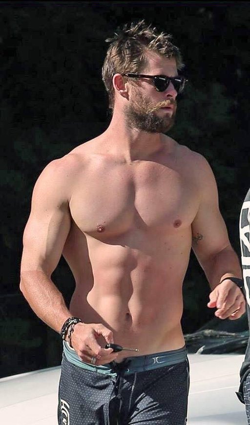 A 'just because' post because I like looking at the woofy Chris Hemsworth