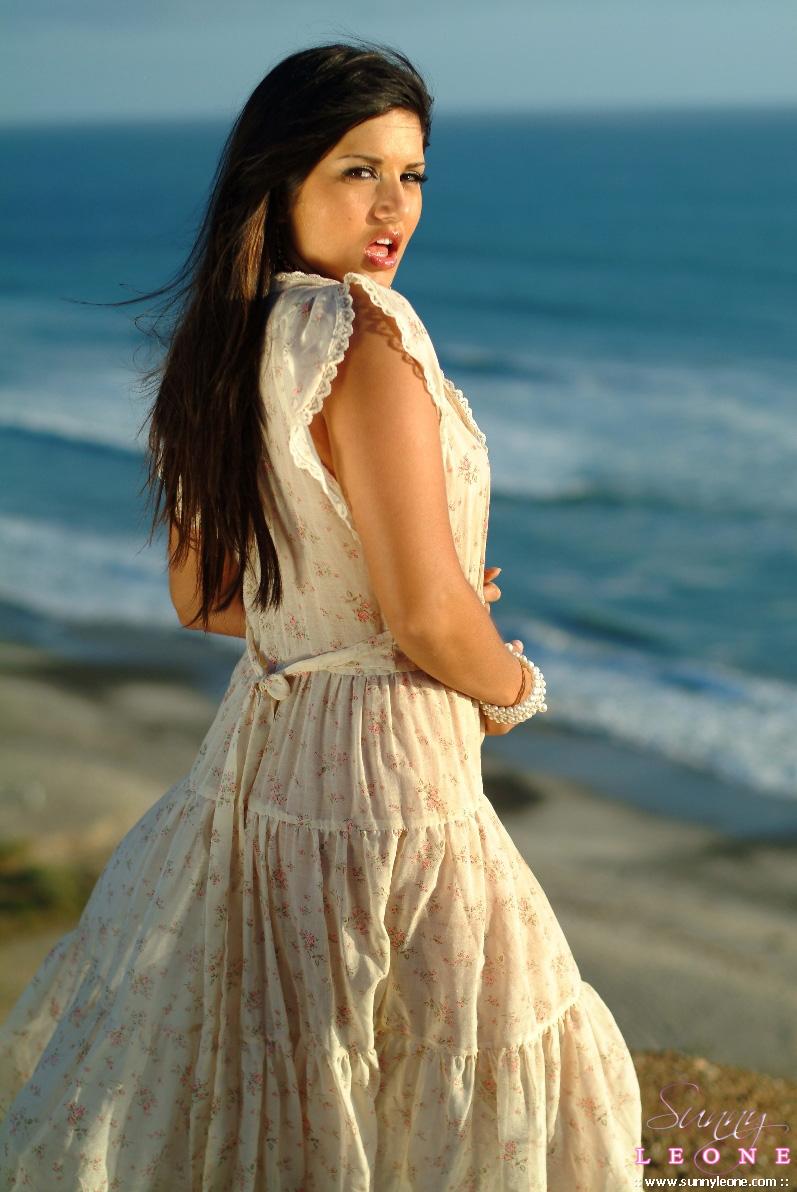 Beach sunny leonon   Hot images)