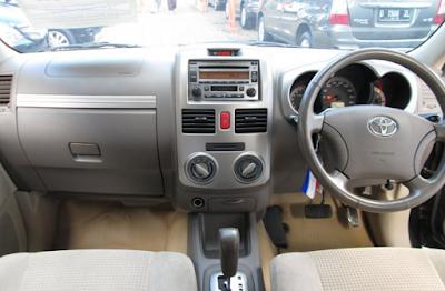 Interior Toyota Rush Edisi Pertama