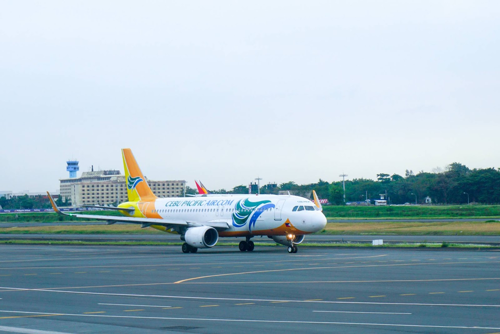 cebu pacific Cebu pacific has many fans here in tripadvisor, there are also who are not happy with the airline if you are used to riding a low-cost carrier then cebu pacific is just like any of them.