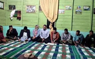 Dwi Luhnuari Jumwati SE alias Nunuk merupakan Caleg DPR RI dari partai PDIP Nomor Urut 3 untuk Dapil Aceh I yang meliputi dari 15 kabupaten kota, yaitu Pidie Jaya, Pidie, Aceh Besar, Banda Aceh, Sabang, Aceh Jaya, Aceh Barat, Nagan Raya, Simeleu, Abdya, Aceh Selatan, Singkil, Subullussalam, Aceh Tenggara, dan Gayo Lues.
