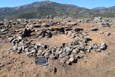Οι εμπειρογνώμονες χρησιμοποίησαν επίσης ραδιο-άνθρακα για να ναών της Ρεπουμπλικανικής Ρωμαϊκής εποχής, που χρονολογούνται από τον 4ο έως τον.