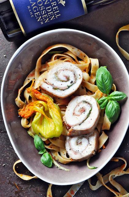 Roulade von der Hühnerbrust mit Pasta plus Korrell Riesling