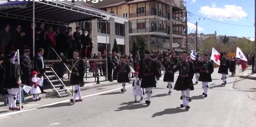 Η παρέλαση της 25ης Μαρτίου στην Καστοριά (Βίντεο)