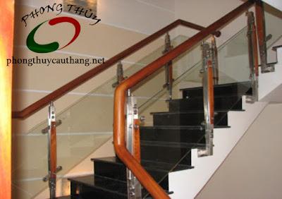 Mẫu thiết kế cầu thang đơn giản số 3 nhà diện tích nhỏ