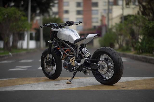 KTM Duke Silver Arrow by Pasquale Motors, Bogota