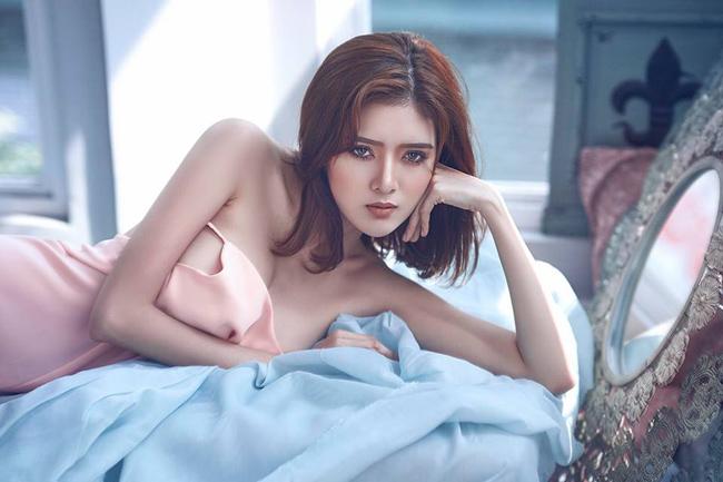 Hot girl Sài Gòn Lilly Luta tái xuất với bộ ảnh nóng bỏng