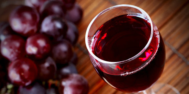 Benefits and Dangers of Red Wine