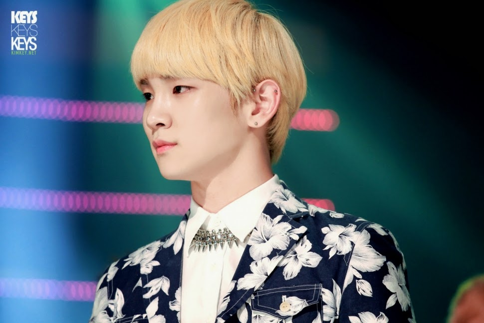 Male idols with blonde hair - K-POP, K-FANS