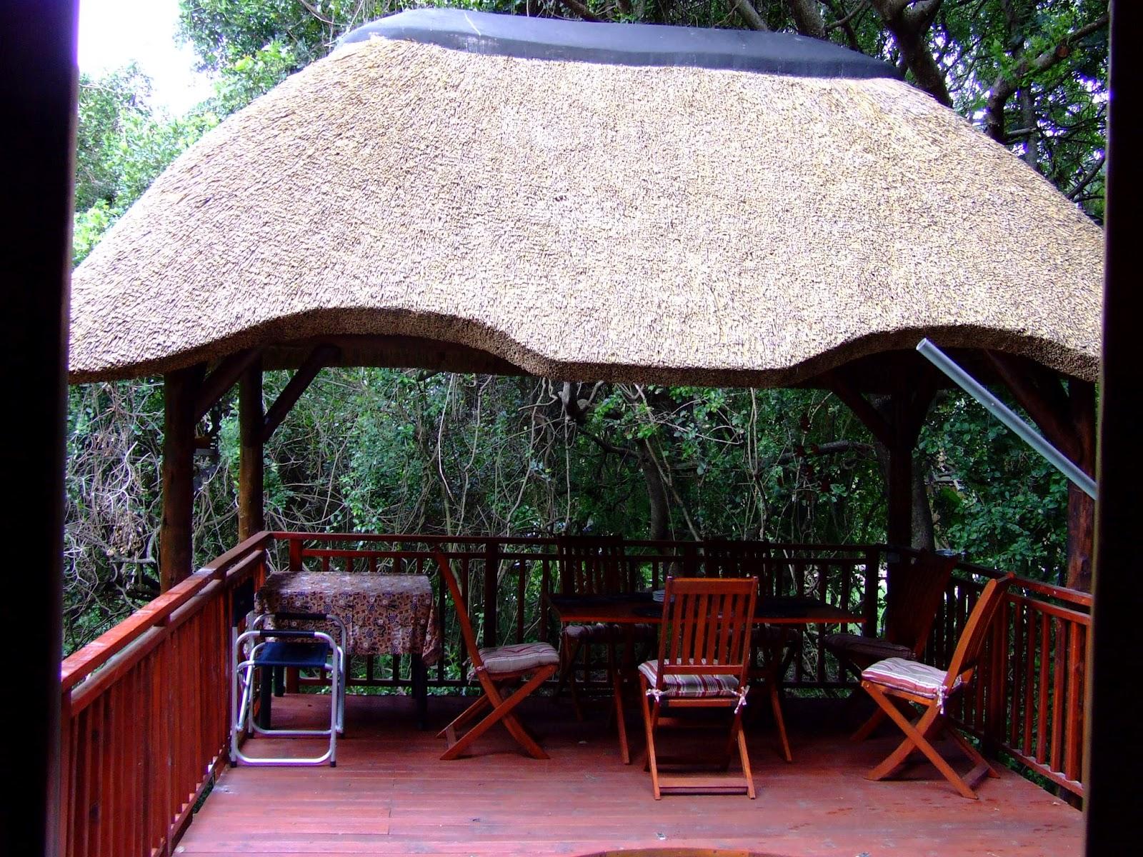 Thatch Lapa, Braai & Outdoor Entertainment Area Designs on Small Backyard Entertainment Area Ideas id=51968