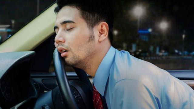 لماذا تشعرنا اهتزازات السيارة أثناء تحركها بالنعاس؟