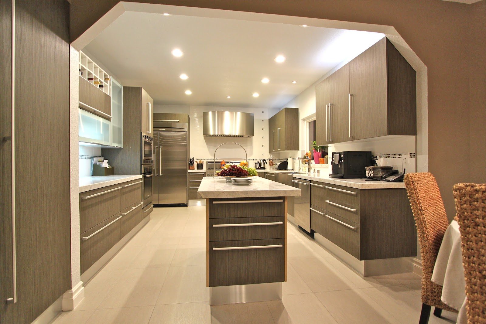Fresh & Clean: Contemporary Kitchen
