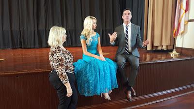 Bill Alverson treinou as últimas quatro Misses EUA e alterna rotina de advogado com consultorias para modelos que aspiram à coroa - Divulgação