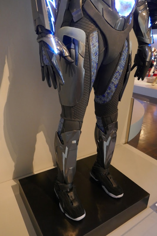 Black Lightning costume legs detail