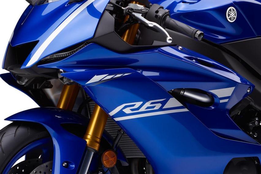 Hadir dengan membawa garis desain Yamaha YZF R1, apa saja yang baru di Yamaha YZF R6 2017 ?