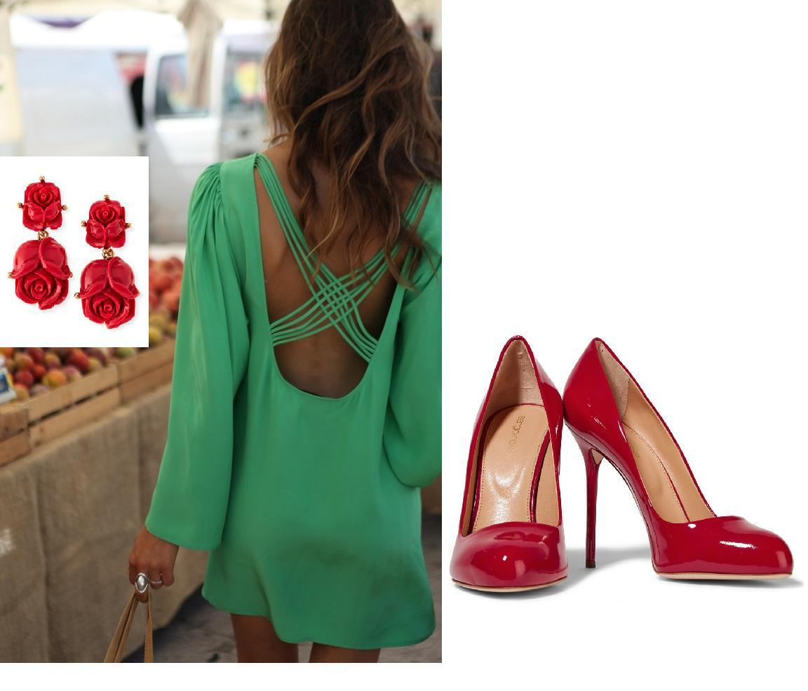 Vestido verde con zapatos rojos
